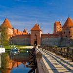 Trakain linna veden äärellä