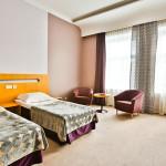 Standard huone erillisillä vuoteilla