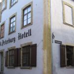 St. Peterburh hotelli katukuvassa