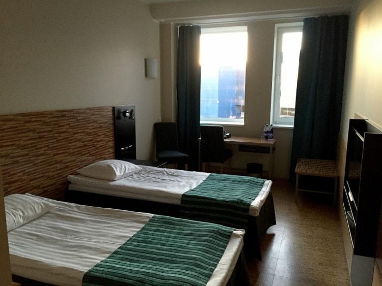 Kaikkialla oli erittäin siistiä, pinnat olivat uudet ja hotellihuoneeseen astuminen oli erittäin positiivinen yllätys.
