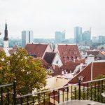 Tallinnan vanhan ja uuden keskustan silhuetti
