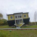 Ylösalainen talo, Tartto