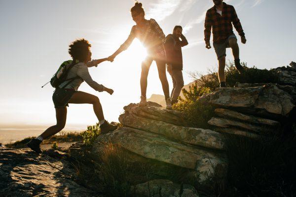 Yhdessä vuorelle kiipeäminen on intohimomme!