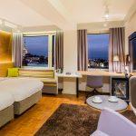 Viru hotellin standard-perhehuone levitettävällä vuodesohvalla
