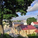 Näkymät kaupungille Rakveren linnoituksen kukkulalta