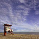Uimavahdin torni Pärnun hiekkarannalla