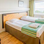Laulasmaa Span standard huone erillisillä vuoteilla ja merinäköalalla