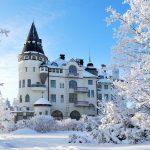 Linnamainen Imatran Valtionhotelli talvella