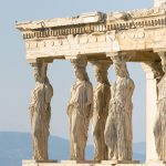 Caryatids-patsaat Kreikan Akropoliksessa