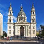 Pyhän Tapanin kirkko Budapestissa kesällä