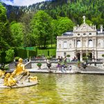 Linderhofin palatsi ja suihkulähde