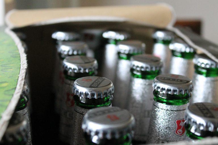 Becksin olutta laatikollinen