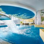Rentoutumiskeskuksessa pääsee pulahtamaan uima-altaaseen