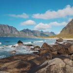 Merta, kivikkoa ja tuntureita