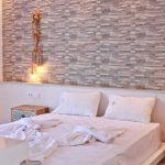 Junior Sviittin sänky Porto Kalamaki hotellissa