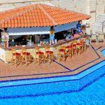 Porto Kalami hotellin allasbaari