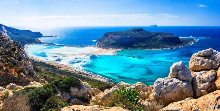Upea panoramakuva kukkulalta Balos rannalle
