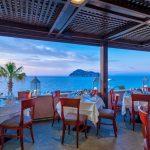 Hotellin ravintola ja näköala merelle