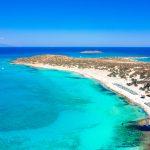 Näkymä Chrissin saaren valkoiselle hiekkarannalle