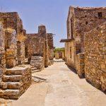 Spinalongan saarella raunioita