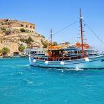 Veneitä Spinalongan saaren edustalla