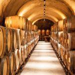 Viinitynnyreitä kreetailaisella viinitilalla