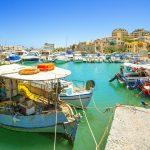 Kalastajaveneitä Heraklionen satamassa