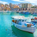 Veneitä Heraklion satamassa