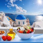 Kreikkalaista salaattia upeassa merimaisemassa