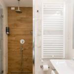 Kylpyhuone ja suihku