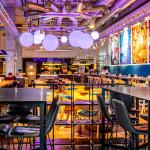 Värikäs ravintola