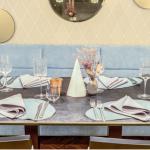 Ravintolapöytä ja kattaus