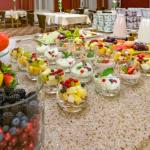 Aamiaispöydän annoksia
