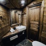 Puinen kylpyhuone