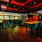 Brittiläistyylinen Kartanokellari Pub Haikon päärakennuksen kellarikerroksessa