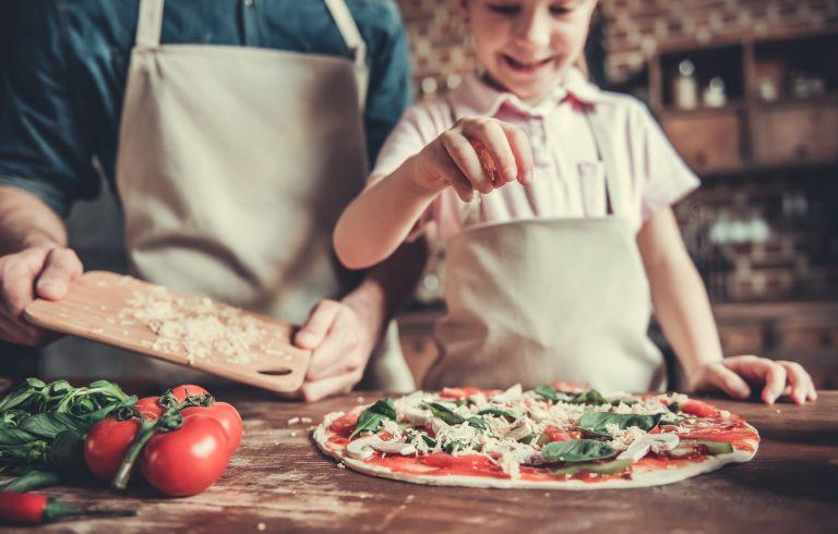 Valmista mieleisesi pizza siihen räätälöidyllä kurssilla.