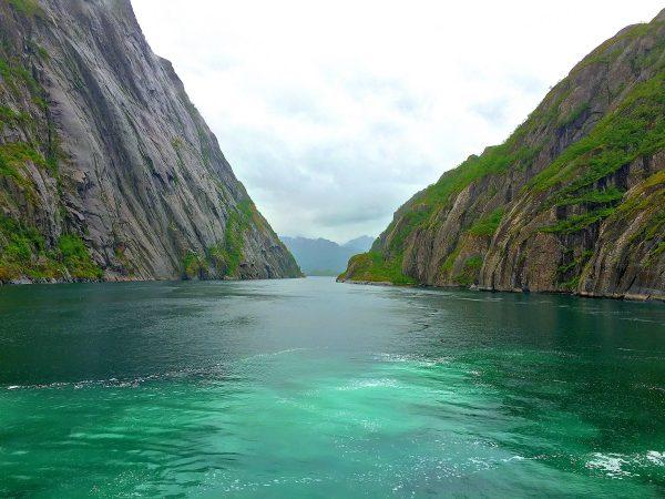 Trollfjord-vuonossa turkoosia vettä