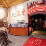 Santa Claus Holiday Village, Joulupukin lomakylän sisäänkäynti tervehtimään Joulupukkia