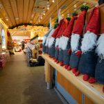 Santa Claus Holiday Village, Joulupukin lomakylän myymälän tarjontaa