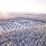 Northern Lights Village Levi ilmasta kuvattuna talvisena päivänä