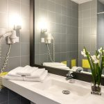 Standard huoneen kylpyhuone