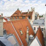 Osassa superior huoneista on upea näköala yli vanhankaupungin kattojen