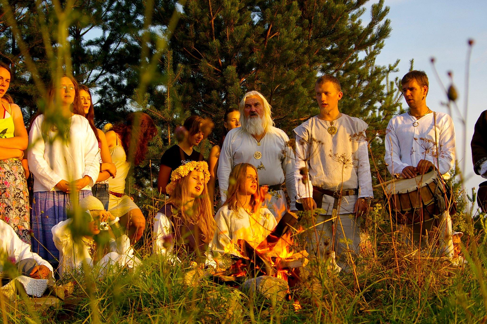 Baltian vanhojen kulttuurien ja uskontojen jäljillä