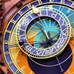 Lähikuva Prahan astronomisesta kellosta.