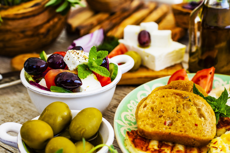 Makumatka kreikkalaisen ruokakulttuurin äärelle