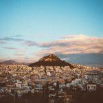Lykavittós-kukkula Ateenan kaupungin yllä