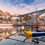 Vene Douro-joella, silta taustalla