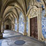 Porton katedraalin kortisteellinen käytävä