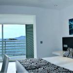 Kahden hengen huone merinäkymällä