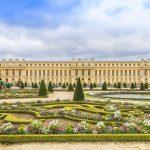 Versaillesin palatsi puutarha edustalla